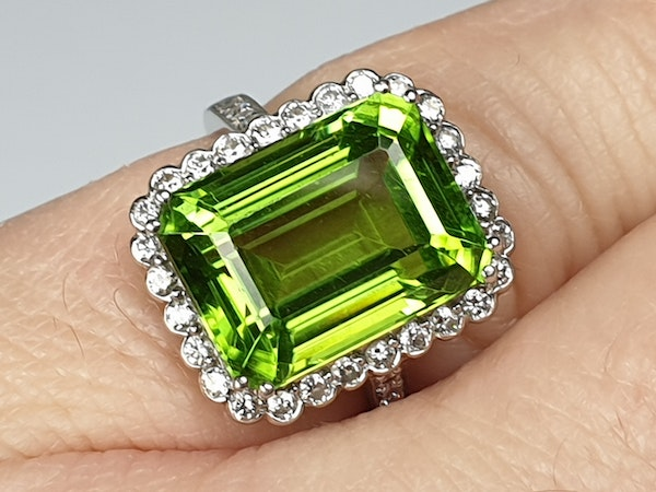 Peridot and Diamond Cluster Ring  DBGEMS - image 2
