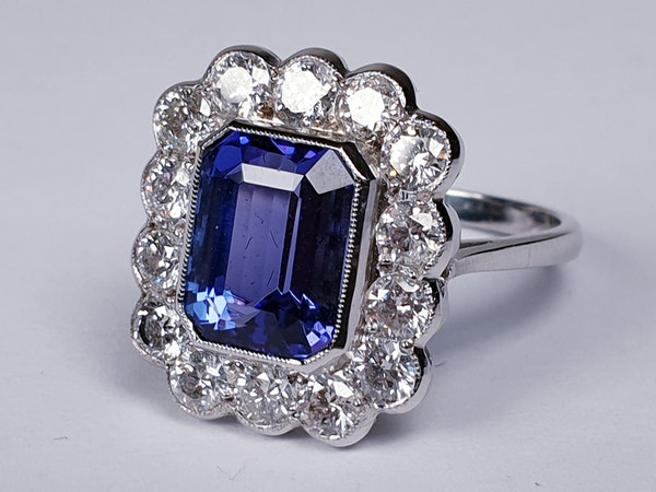 Tanzanite and diamond cluster dress ring  DBGEMS - image 2