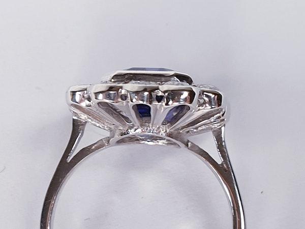 Tanzanite and diamond cluster dress ring  DBGEMS - image 3