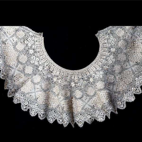 Maltese silk collar - image 1