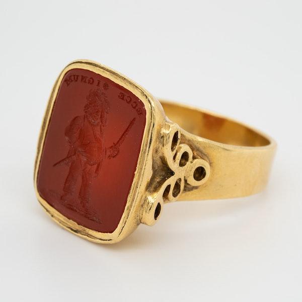 Cornelian intaglio gold signet ring - image 3