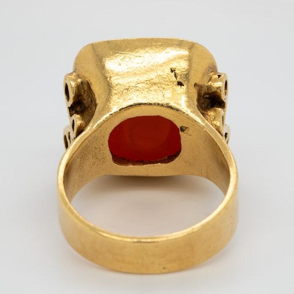 Cornelian intaglio gold signet ring - image 4