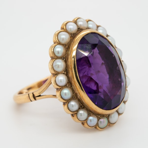 Amethyst and pearl cluster ring - image 2