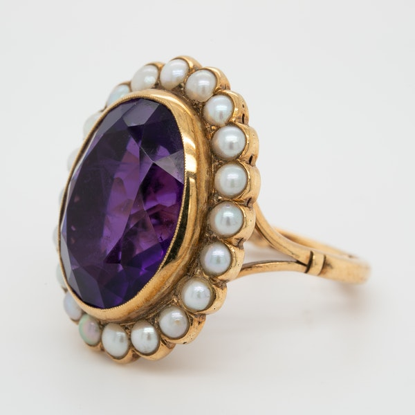 Amethyst and pearl cluster ring - image 3