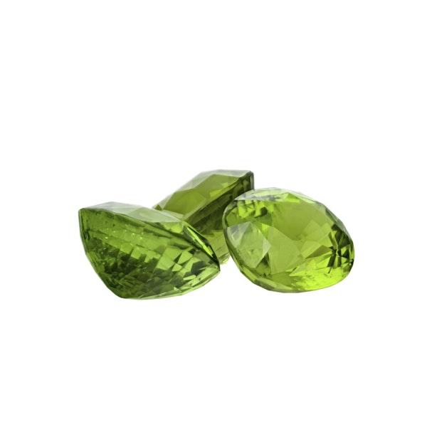 Peridot gemstones - image 2
