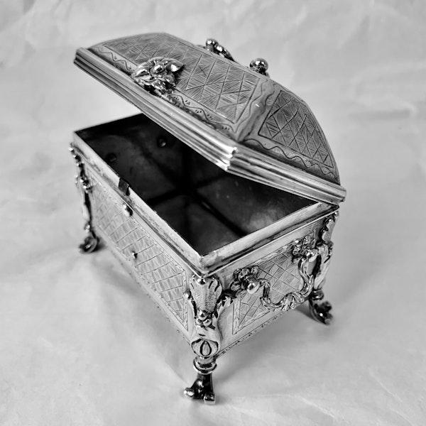1720 Spanish silver casket/box - image 4