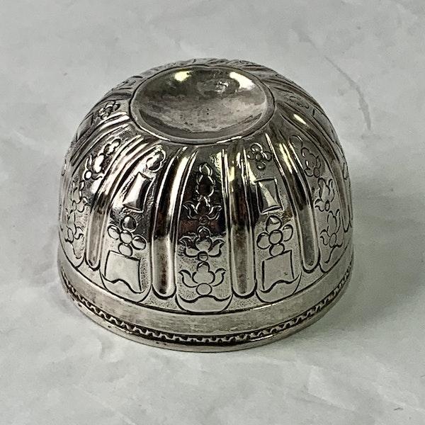 Eighteenth century silver vodka cup - image 3