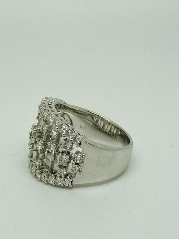 18K white gold Diamond Ring - image 2
