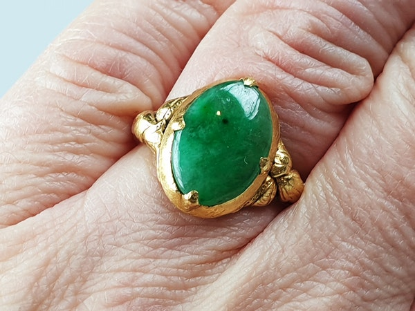 Jade Signet Ring Set in 22ct Gold  DBGEMS - image 5