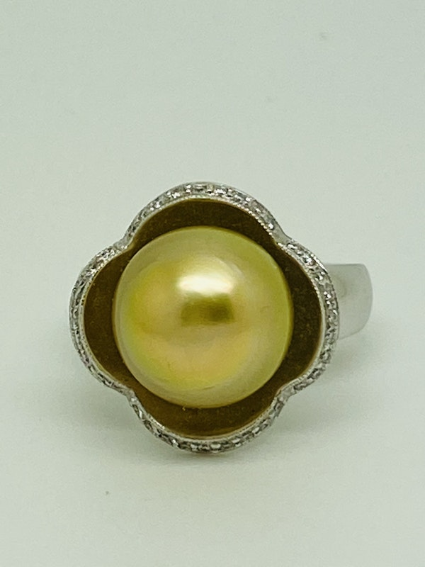 18K yellow gold Golden Pearl and Diamond Ring - image 1