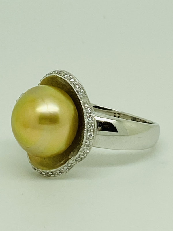 18K yellow gold Golden Pearl and Diamond Ring - image 2