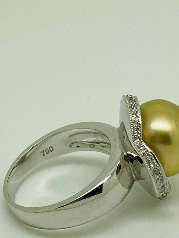 18K yellow gold Golden Pearl and Diamond Ring - image 4
