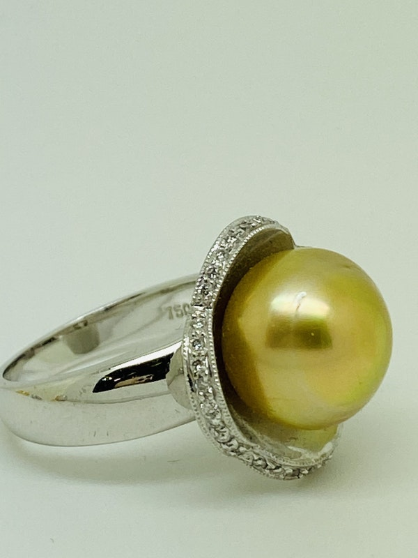18K yellow gold Golden Pearl and Diamond Ring - image 5