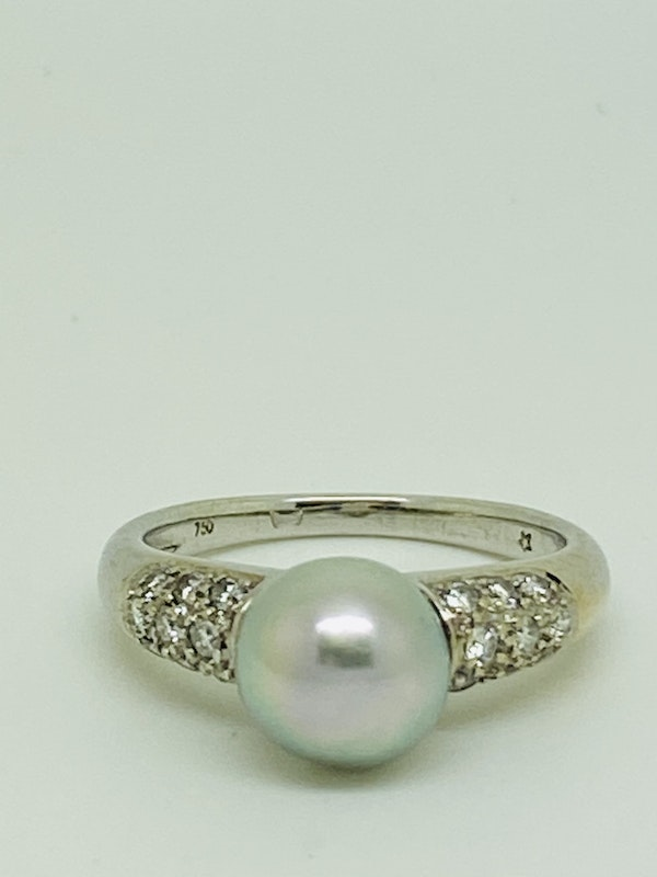 18K white gold Diamond and Pearl Ring - image 1