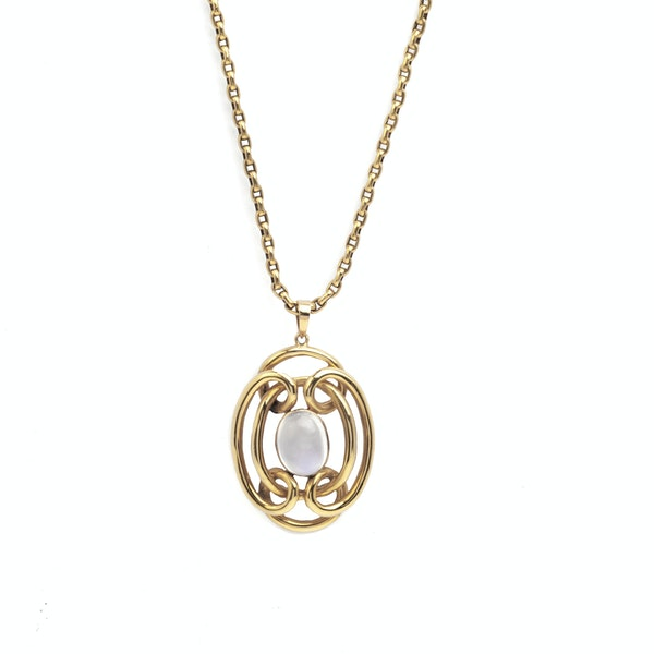 A Moonstone Pendant Necklace - image 1