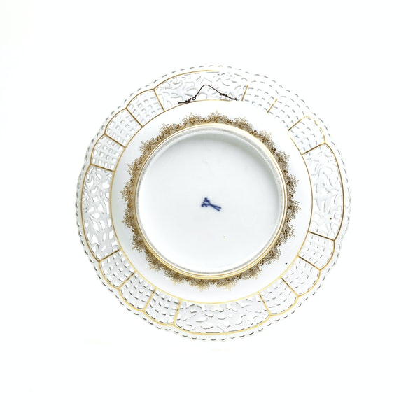19th century Meissen reticulated plate - image 3