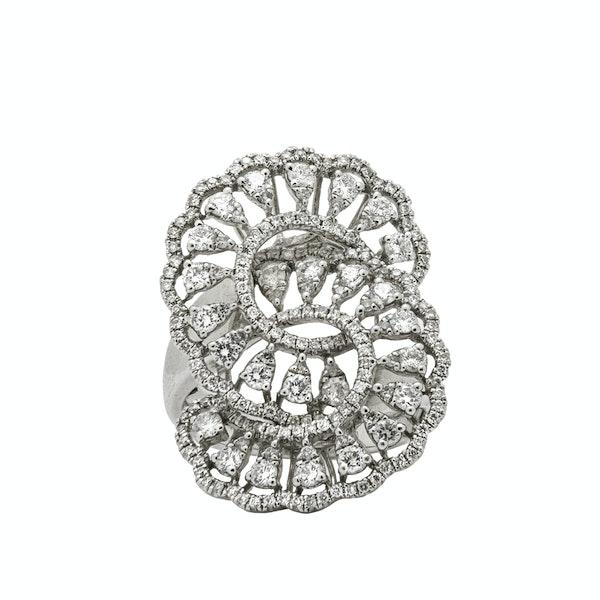 """Esse"" shaped droplet ring - image 1"