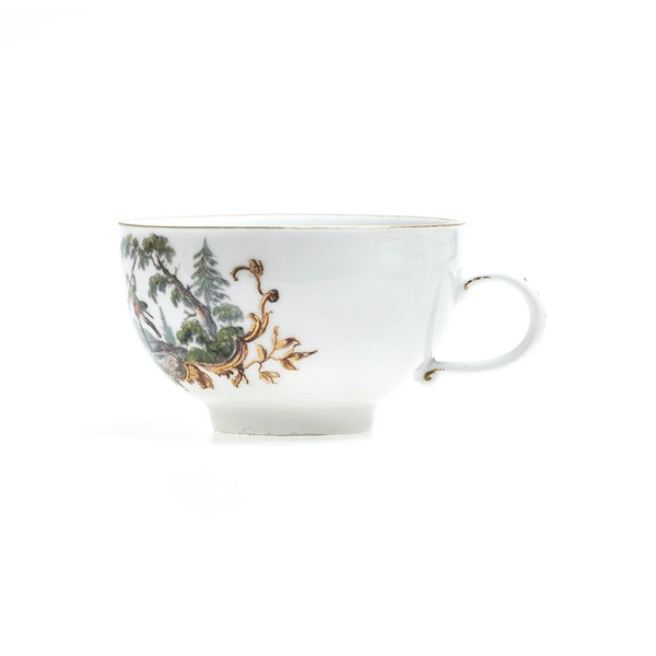 18th century Meissen cups and saucers - image 4