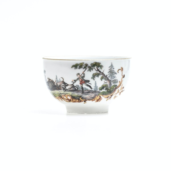 18th century Meissen cups and saucers - image 3