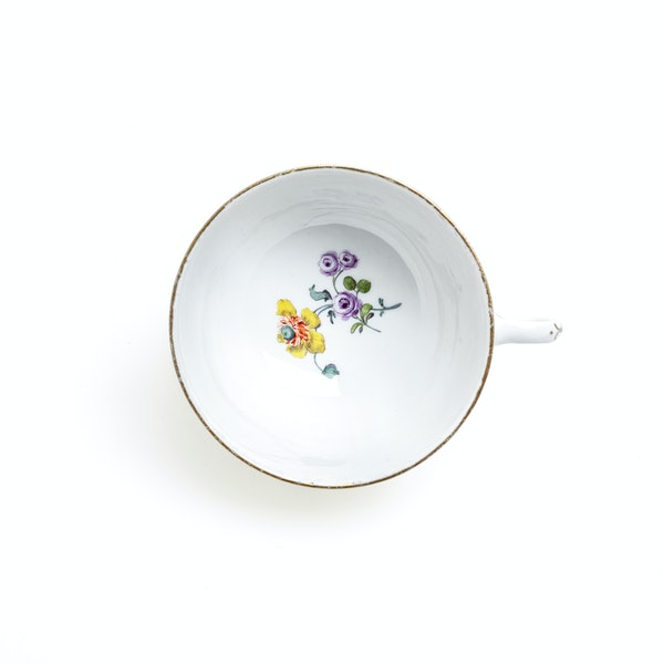 18th century Meissen cups and saucers - image 6