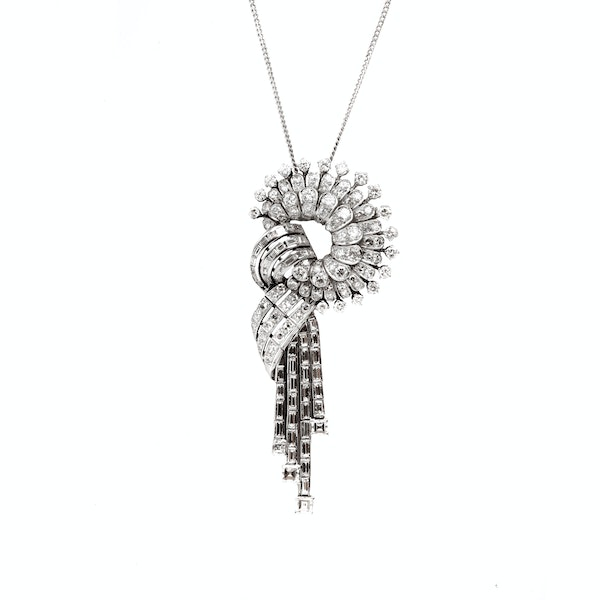 A 1950s Diamond and White Gold Slip Knot Pendant Necklace - image 2