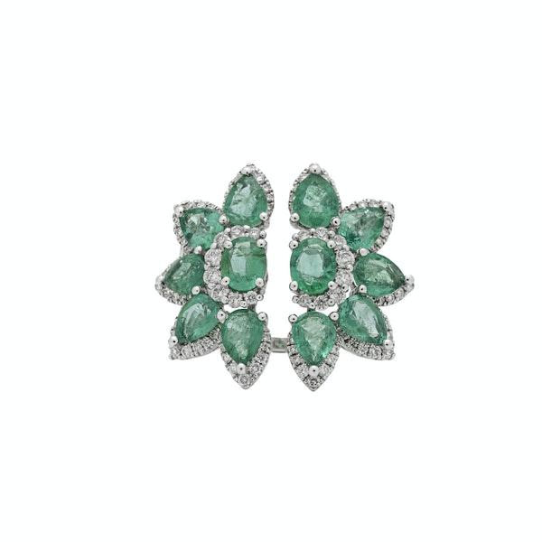 Flower split emeralds rings - image 1