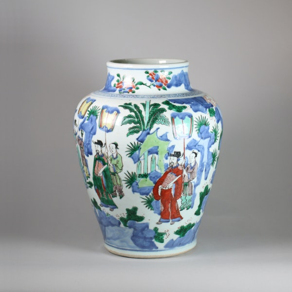 Chinese wucai baluster vase, Shunzi - image 2