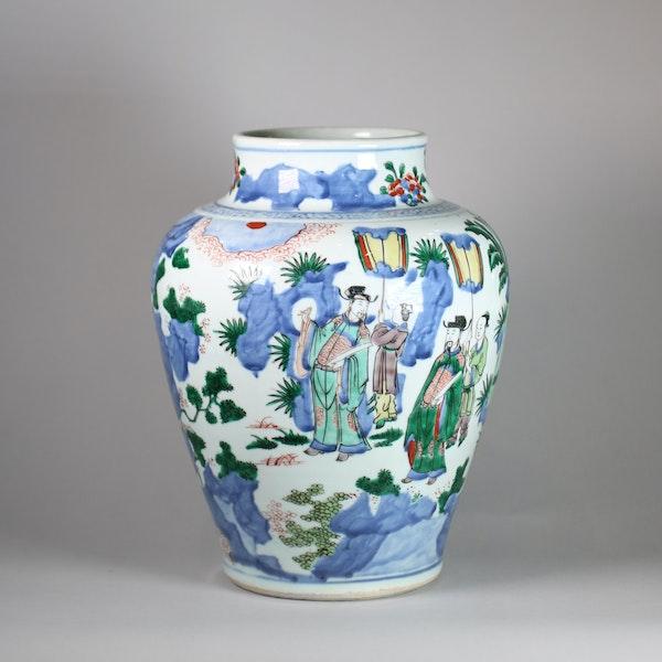 Chinese wucai baluster vase, Shunzi - image 3