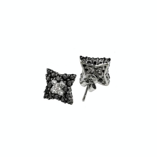 Star shaped diamonds earrings - image 2