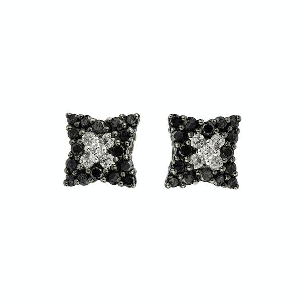 Star shaped diamonds earrings - image 1