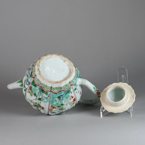 Chinese famille verte moulded teapot and cover - image 4