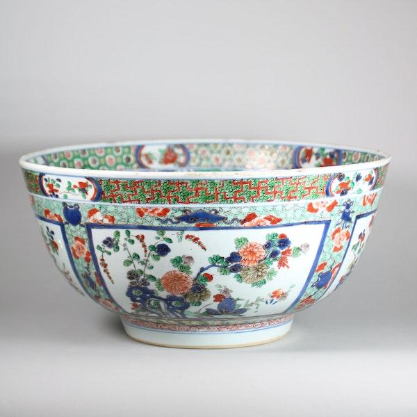 Large Chinese famille verte bowl - image 2