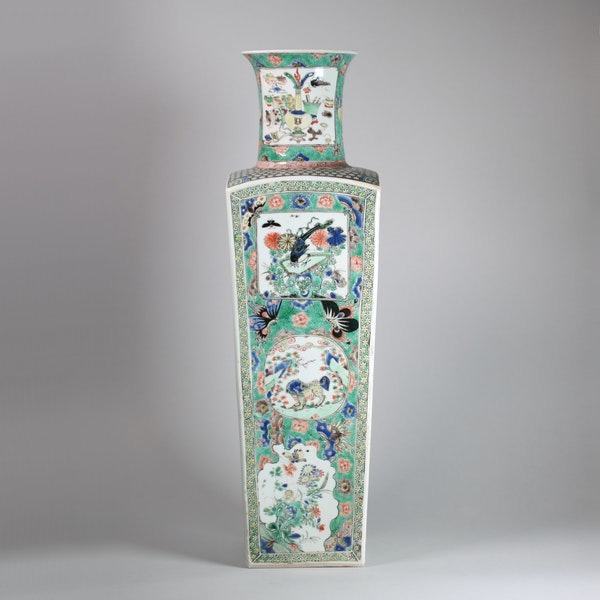 Chinese famille verte square-section tapering vase - image 5