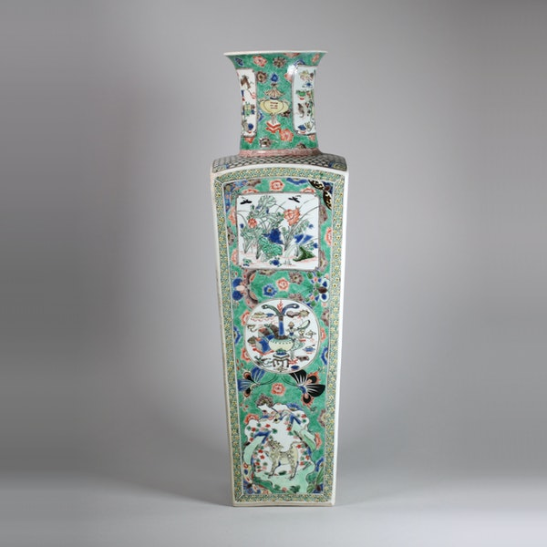 Chinese famille verte square-section tapering vase - image 1