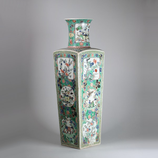 Chinese famille verte square-section tapering vase - image 2
