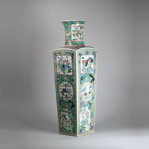 Chinese famille verte square-section tapering vase - image 3