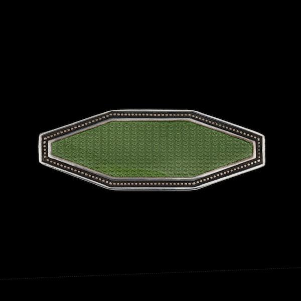A green enamel silver box - image 1