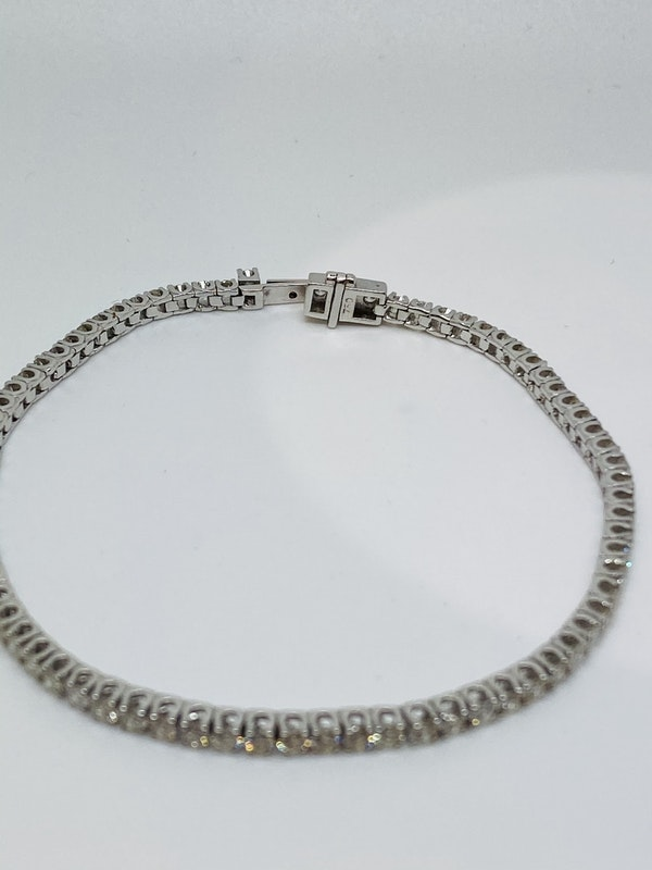 18K white gold 3.34ct Diamond Line Bracelet - image 4