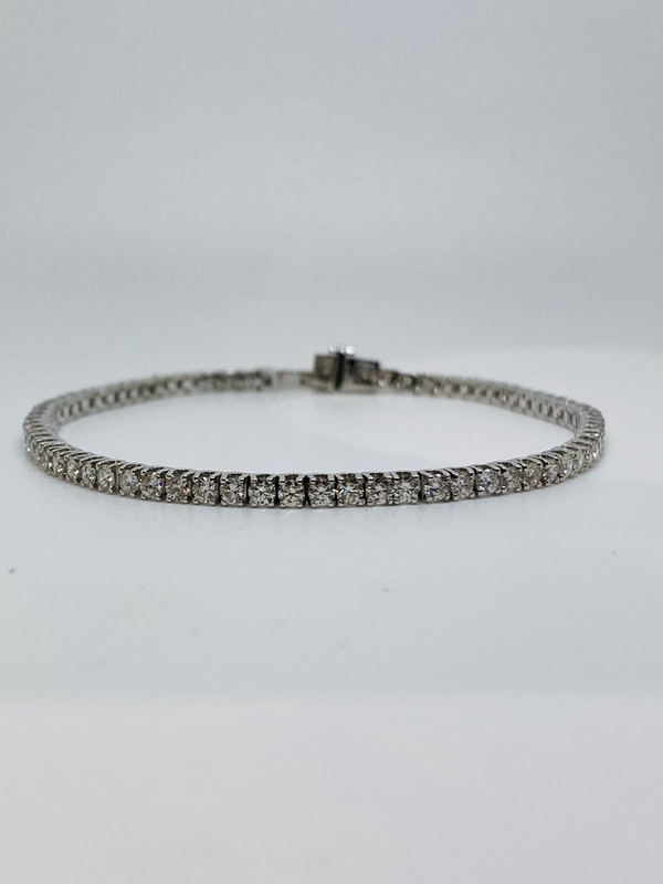 18K white gold 3.34ct Diamond Line Bracelet - image 5
