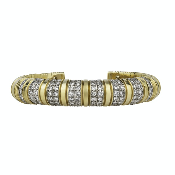 Boodles Gold and Diamond Bangle and Ring - image 3