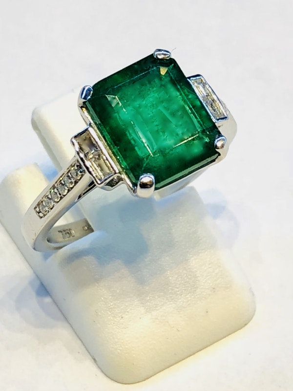 Platinum 3.90ct Natural Emerald Ring - image 1