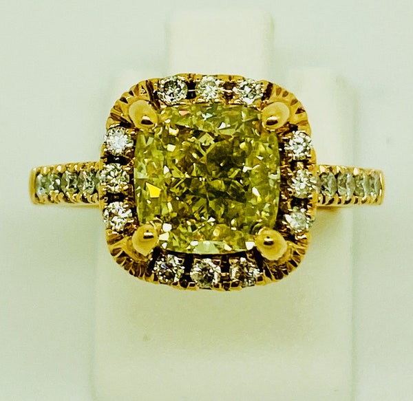18K Yellow Gold 2.59ct Natural Fancy Yellow Diamond Ring - image 4