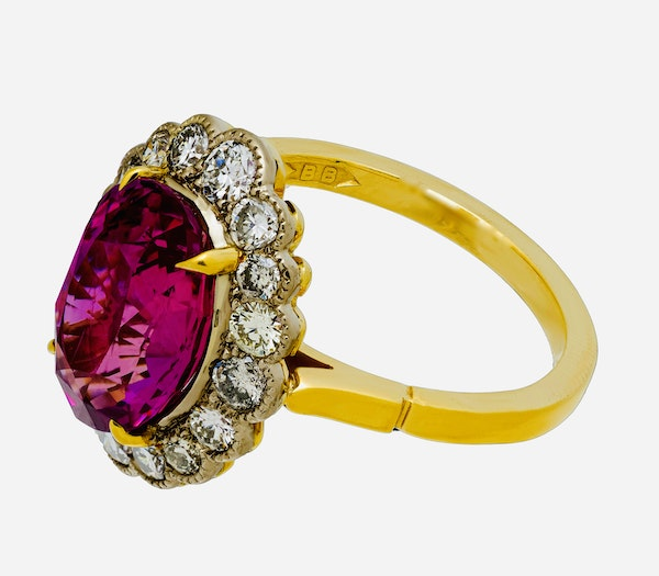18K yellow gold 5.19ct Natural Ruby and 1.17ct Diamond Ring - image 4