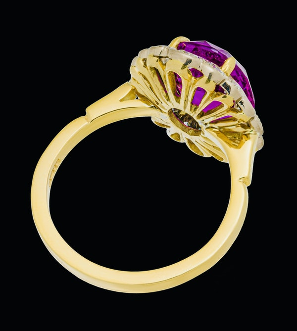 18K yellow gold 5.19ct Natural Ruby and 1.17ct Diamond Ring - image 3