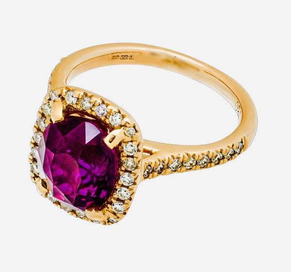 18K Yellow Gold 4.02ct Natural Ruby and 0.33ct Diamond Ring - image 4