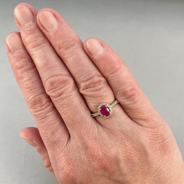 1980, 14ct White Gold Ruby & Diamond stone set Ring, SHAPIRO & Co - image 3