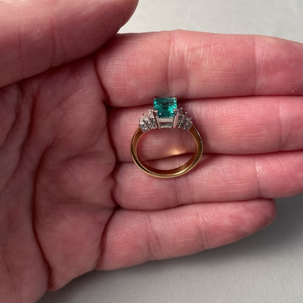 1980's, 18ct White/Yellow Gold Emerald & Diamond stone set Ring, SHAPIRO & Co - image 3
