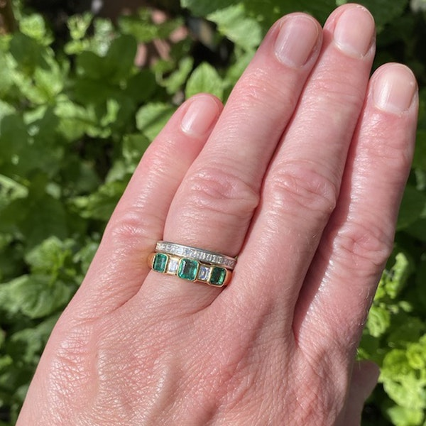 1950's, 18ct Yellow Gold Emerald & Diamond stone set Ring, SHAPIRO & Co - image 2