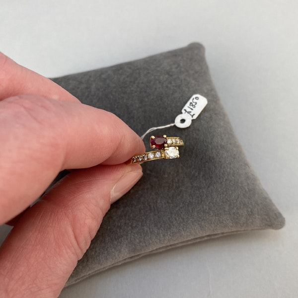 1960's, 18ct Yellow Gold Ruby & Diamond stone set Ring, SHAPIRO & Co - image 4