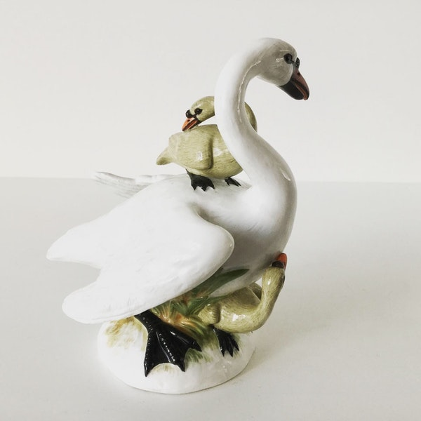 Meissen group of swans - image 3